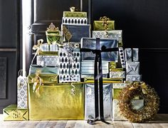 IKEA stylists are good at showing us how to style our homes in inspirational ways for the holidays. Follow these tips & tricks to do it yourself.