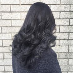 New hair color balayage grey dark Ideas Dark Grey Hair Charcoal, Dark Grey Hair Color, Ash Grey Hair, Black And Grey Hair, Ombre Hair Color, Hair Color For Black Hair, Hair Color Balayage, Cool Hair Color, Dark Hair