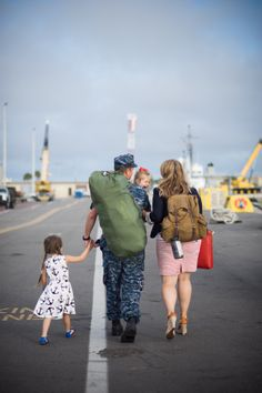 Navy Homecoming – Jacksonville Family Photographer » Photography by Virginia Hobbs