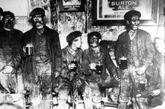 men with beer old photo - Поиск в Google Black Lungs, 19th Century England, Opinion Piece, Old Photographs, Coal Mining, Industrial Revolution, White Man, Historical Photos, Cool Photos