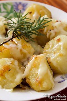Batatas Douradas com Alecrim e Queijo - Receitas de Natal