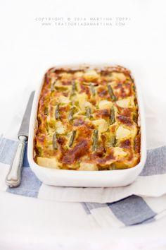 Lasagne al pesto e stracchino con patate e fagiolini.