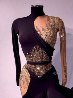Dancesport competitors go to great lengths to achieve amazing looks in their dance costumes. Ladies who compete in ballroom dance competitions need the right dance dresses for each style of dance. Latin Ballroom Dresses, Ballroom Dancing, Ballroom Dance Quotes, Ballroom Costumes, Latin Dance Costumes, Salsa Dress, Skating Dresses, Costume Dress, Corset Costumes
