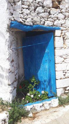 Beautiful blue colour, Analipsis