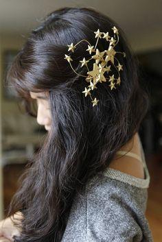 http://hellowhimsy.blogspot.com.au/2012/08/diy-rodarte-star-hair-pins-tutorial.html