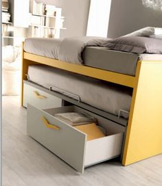 ampio cassettone del letto attrezzato scorrevole Doimo Small Room Bedroom, Kids Bedroom, Pull Out Bed, Wardrobe Design Bedroom, Kids Room Furniture, Bedroom Cabinets, Secret Rooms, Aesthetic Bedroom, College Dorm Rooms
