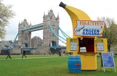 Meanwhile in London of the Day: Bluth's Banana Stand is Going On Tour - Cheezburger
