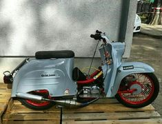 Vintage Motorcycles, Vespa, Concept Cars, Retro Style, Retro Fashion, Bike, Vehicles, Sparrows, Wasp