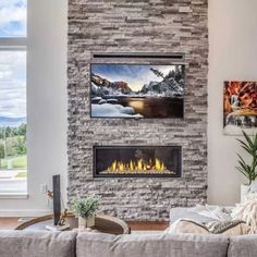 These amazing installations from our friends at #Montana Fire Design show how the right fireplace transforms a room.  #gasfireplace #coolwall #heattransfer #mendotahearth #mendotafireplace