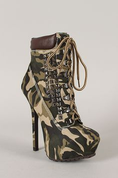 Dollhouse Predator Camouflage Studded Lace Up Platform Bootie High Heel Boots, Heeled Boots, Ankle Boots, Cute Heels, Shoes Heels, Botines Peep Toe, Camo Shoes, Estilo Rock, Nylons