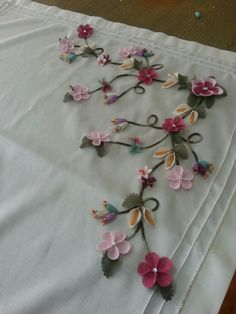 Hand Embroidery Stitches, Silk Ribbon Embroidery, Lace Making, Tatting, Needlework, Elsa, Diy And Crafts, Quilts, Sewing