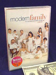 Modern Family DVD 2nd Season 3 Disc Set Vergara Bowen DVDs & Movies:DVDs & Blu-ray Discs www.internetauctionservicesllc.com $9.99