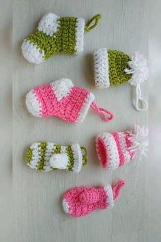 Crochet Christmas Garland, Crochet Christmas Stocking Pattern, Crochet Stocking, Crochet Tree, Holiday Crochet, Crochet Gifts, Christmas Patterns, Crochet Stars, Christmas Tree