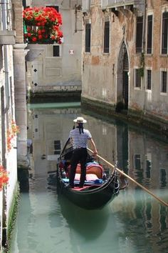 VENICE A special city for a special love. --- Una ciudad especial para un amor… Rome Travel, Italy Travel, Places Around The World, Around The Worlds, Gondola Venice, Places To Travel, Places To Visit, Visit Italy, Italy Vacation
