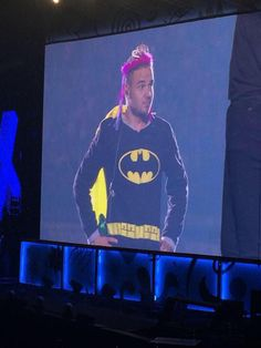 All the best and most hilarious costumes that One Direction have worn on stage - Sugarscape.com