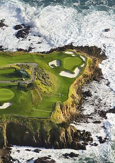 7th hole at pebble beach wow that would be great ~ I don't play golf ~ but I would here ....