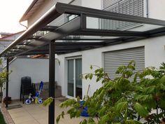 Terrassenüberdachungen und Glashäuser von ferobau – Sommergarantie das ganze Jahr über.  [FEROBAU] Garage Doors, Outdoor Decor, Home Decor, Glass Roof, Good Ideas, Balcony, House, Decoration Home, Room Decor