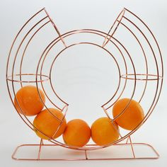 This stylishly curved Fruit Dispenser Stand is the ideal accessory to store your apples and oranges in. Wire Hanger Crafts, Wire Hangers, Christmas 2015, Christmas Ideas, Roman Holiday, Kitchenware, Trauma, Beautiful Things, Baskets