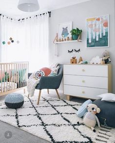 Kamer Mona Green Kid's Rooms - Petit & Small Here are 33 adorable nursery ideas for you! Super cute baby boy nursery room ideas - I LOVE a rustic nursery - for boys OR for girls! Baby Room Decor, Baby Bedroom, Kids Bedroom, Bedroom Ideas, Bedroom Decor, Bedroom Wall, Master Bedroom, Lego Bedroom, Budget Bedroom