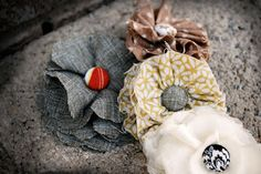 mufn inc: fabric flower tutorial