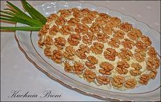 """Oryginalna sałatka """"Ananas"""" może być ozdobą świątecznego stołu,a przy tym smakuje rewelacyjnie."""