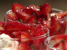 Bizcochuelo de frutillas.Narda Lepes                         Ingrediente principal: Frutillas              Autor: Narda Lepes