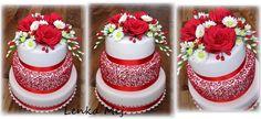 Svatební v červené s cukrovou květinovou vazbou dle kytice