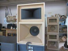 Pin by Adrian Smith on Speaker Design in 2019 Speaker Plans, Speaker System, Audio System, Subwoofer Box Design, Speaker Box Design, Audio Amplifier, Audiophile, Car Audio Battery, Audio Design