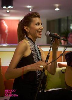 Magos Herrera, cantante mexicana.