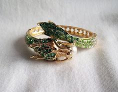 Green dragon ring just for my sister @Katie Roberts