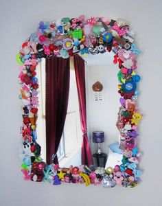 Toy Mirror - Made from my bead collection Recycled Toys, Recycled Art Projects, Upcycled Crafts, Diy And Crafts, Crafts For Kids, Arts And Crafts, Diy Projects, Do It Yourself Decoration, Homemade Pictures