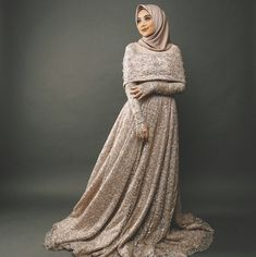 See the details at the chest part Muslimah Wedding Dress, Muslim Wedding Dresses, Event Dresses, Bridal Wedding Dresses, Modest Dresses, Pretty Dresses, Hijab Gown, Hijab Dress Party, Hijab Style Dress