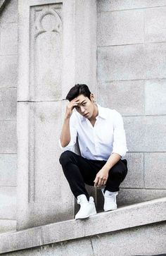 He can just make a sneaker ad like a magazine shooting #T.O.P #ChoiSeungHyun [owner]