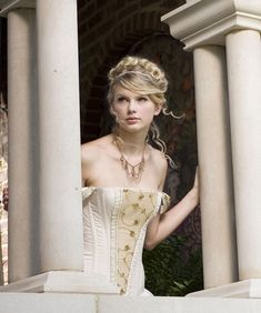 "Taylor Swift Fearless photoshoot | ... Story"" (music video photoshoot) - fearless-taylor-swift-album Photo"