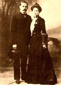 Harry Longabaugh (the Sundance Kid) and Etta Place, possibly AKA Ann Bassett.  Born 1878.