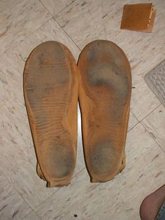 - How to Rubberize the Soles of Leather Moccasins -