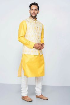 30 Outfits men can wear at an Indian Wedding - - Kurta Pajama Men, Kurta Men, Mens Kurta Designs, Wedding Dress Men, Indian Wedding Outfits, Indian Outfits, 30 Outfits, Stylish Mens Outfits, Mens Traditional Wear
