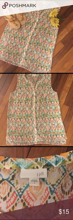"""J. Jill Sleeveless Button-down Size Small Sleeveless Button Down with pattern print by J.Jill.  Perfect condition.  All measurements taken flat .  Size Small measures shoulder to hem 27"""", armpit to armpit 19"""".  Bundle 2+ and Save 20% J. Jill Tops Blouses"""