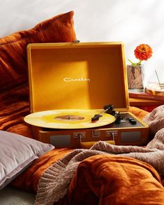 """21k Likes, 72 Comments - Urban Outfitters (@urbanoutfitters) on Instagram: """"Yes, this is a velvet Crosley—SKU #43062116. #UOMusic #UOTech"""""""