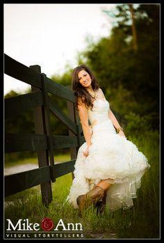 Lake City Wedding Photographers :: Christine's Cowgirl-Themed Bridal Session