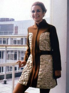 Liz Shaw (Caroline John) from Doctor Who 1970 Space Costumes, Jon Pertwee, Doctor Who 10, Doctor Who Companions, Classic Doctor Who, 20th Century Fashion, Outfits, Clothes, Women