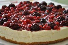 :-): Sajttorta erdei gyümölcsökkel Cheesecake, Desserts, Food, Tailgate Desserts, Deserts, Cheesecakes, Essen, Postres, Meals