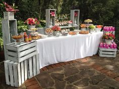 Lădițe din lemn pentru decoruri de nuntă în grădină   http://nuntaingradina.ro/ladite-din-lemn-pentru-decoruri-de-nunta-in-gradina/