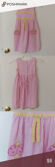 """Little girls Youngland seersucker dress Excellent pre-owned condition. 3 buttons and tie in back. Approx. 24.5"""" long. Youngland Dresses"""