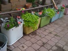 Recycle Vintage Toilet Tanks into Planters! iwhoswhat