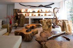 Decoração de: Sala de estar; escultura de galhos retorncidos; Casa de Valentina
