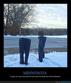 Y yo tengo frío en mi casa... - El lugar en el que hace tanto frío que hasta los fantasmas llevan pantalones   Gracias a http://www.cuantarazon.com/   Si quieres leer la noticia completa visita: http://www.estoy-aburrido.com/y-yo-tengo-frio-en-mi-casa-el-lugar-en-el-que-hace-tanto-frio-que-hasta-los-fantasmas-llevan-pantalones/