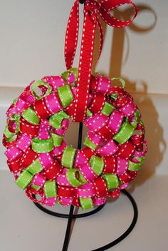 Fashion meets Food: Ribbon Wreath Ornament