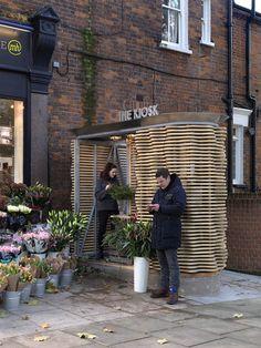 London flower kiosk with a wavy timber exterior by Buchanan Partnership. Kiosk Design, Retail Design, Design Blog, Cafe Design, Architecture Details, Landscape Architecture, Flower Shop Design, Shop Facade, Timber Slats