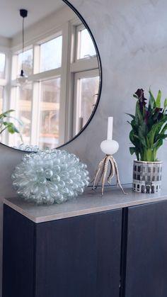 Att skapa förändring på liten budget - 12 tips ni inte vill missa Ikea I, Ikea Hack, Beautiful Interior Design, Nordic Design, Cozy House, Budgeting, Aba, Living Room, Mirror